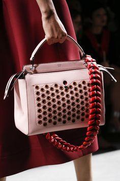 165 лучших сумок Недели моды в Милане | Мода | VOGUE
