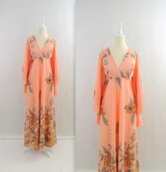 Vintage 1970s Caftan Dress in Peach Floral #twomoxie #boho #1970s
