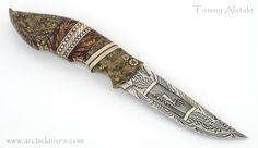 Томми Алатало (Tommy Alatalo) <br>Шведский ножевой мастер Томми Алатало (Tommy Alatalo) основал ножевую компанию с красивым названием Arctic Knives (арктические ножи). Впрочем, для такого позиционирования своих ножей у Томми Алатало есть весомые основания. Он родился в 1988 году в шведском городе..