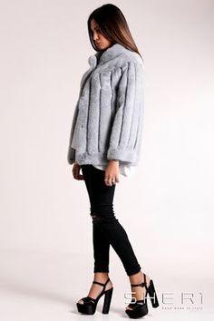 Simonetta - Giacca #visone grigio + intarsi in #pelle - Collezione #Jolie. Lo #stile e la qualità del #madeinitaly non temono paragoni. www.sheri.it #fur #fashion #handmade #mink #minkjacket #jacket #grey
