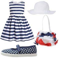 Outfit+composto+da+abito+a+righe+blu+e+bianche+con+fiocchetto,+scarpe+in+tela+e+suola+di+gomma+colore+blu+con+cuoricini+bianchi,+bors…