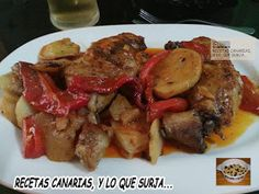 CHICKEN BAKED WITH POTATOES, RED PEPPER AND PAPRIKA | POLLO AL HORNO CON PAPAS, PIMIENTO ROJO Y PIMENTÓN | RECETAS CANARIAS, Y LO QUE SURJA...