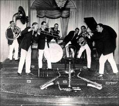 Johnny Bayersdorffer and his Jazzola Novelty Orchestra 1924 - (Photo)