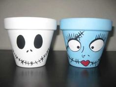 Jack and Sally clay pots - Halloween crafts - Halloween decorations - movie crafts - Halloween party favors - Nightmare Before Christmas Halloween Clay, Halloween Crafts, Holiday Crafts, Halloween Decorations, Halloween Party, Flower Pot People, Clay Pot People, Painted Clay Pots, Painted Flower Pots