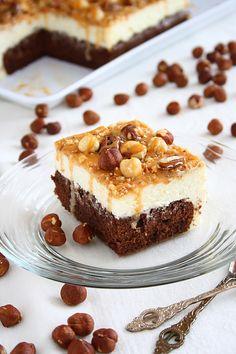 Tort cu mascarpone si caramel/ Caramel cake with white mousse Mascarpone Cake, Let Them Eat Cake, Mousse, Food Photography, Ice Cream, Sweets, Cookies, Breakfast, Ethnic Recipes