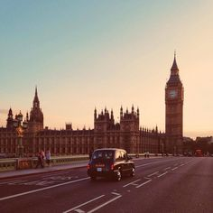 Celebrating this Life - Couples Getaway Ideas #London #England #couplestravel #travelblogger #millennialtravel