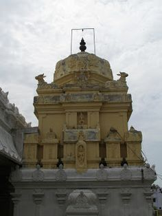 A lesser known temple of #Chennai that has Nandi as the vahan of the Goddess (similar to Tanjore/Trichy regions)...the bronze idol of Kanchi Paramacharya  #IndianColumbus  http://indiancolumbus.blogspot.com/2017/07/sembakkam.html