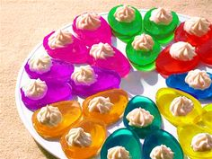 You won't be able to stop at just one of these delicious Jello Easter Eggs! The family will enjoy them. Or make Jello Egg Shots. Holiday Treats, Holiday Recipes, Holiday Fun, Jello Recipes, Easter Recipes, Easter Dinner, Easter Party, Jello Easter Eggs, Easter Food