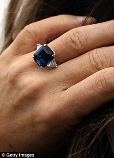 Liz Hurley's new engagement ring --- Yes please (just the ring, not the man!!)