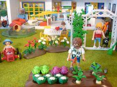 Modern city street Play Mobile, Modern City, City Streets, Decoration, My Little Pony, Vintage Art, Kids Toys, Board, Crafts