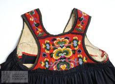 Livstakk - Norsk Institutt for Bunad og Folkedrakt / DigitaltMuseum Folk Costume, Costumes, 10 Picture, Bra, Clothes, Fashion, Outfit, Moda, Clothing