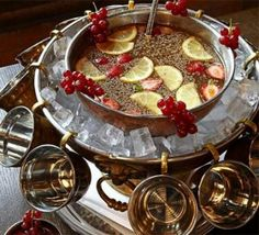 Victorian Christmas Punch - love the idea of the ice.
