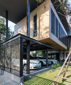 K Oum + K Pol House l greendwell, Tropical Modern House, Bangkok Modern Tropical House, Tropical House Design, Glass House Design, Modern House Design, Steel Building Homes, Building A House, Modern Architecture House, Architecture Design, Container Architecture