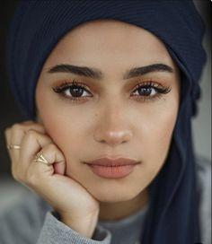 natural makeup looks ~ natural makeup ; natural makeup for brown eyes ; natural makeup for black women ; natural makeup looks ; natural makeup for blue eyes ; natural makeup for blondes Makeup Inspo, Makeup Inspiration, Makeup Tips, Makeup Ideas, Makeup Products, Glam Makeup, Pink Makeup, Hijab Makeup, Peachy Makeup Look