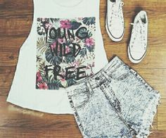 Cute outfit with high wasted shorts and converse