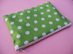 How to make a lined zippered pouch tutorial | Skip To My Lou