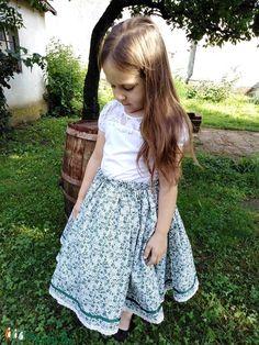 ZÖLDVIRÁG-szoknya (Barnabe) - Meska.hu Hipster, Fashion, Moda, Fashion Styles, Hipsters, Fashion Illustrations, Boyshorts