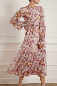Elegant Summer Dresses, Beautiful Maxi Dresses, Stylish Dresses For Girls, Summer Dress Outfits, Lace Dresses, Lavender Dresses, Pretty Dresses, Ballerina Dress, Long Sleeve Gown