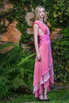 Desfile High Low, Wrap Dress, One Shoulder, Formal Dresses, Fashion, Gardens, Dresses For Formal, Moda, Formal Gowns