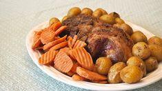 Boston Pork Butt: World's Best Pork Roast Recipe - Delishably - Food and Drink Recipes Using Pork, Pork Roast Recipes, Meat Recipes, Crockpot Recipes, Boston Pork Roast Recipe, Good Roasts, Roast Dinner, Tasty Dishes, Pot Roast