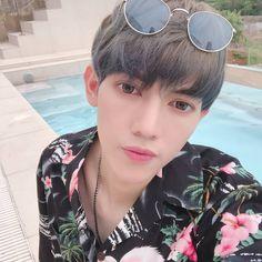 Kpop Boy, Boy Groups, Handsome, Instagram, Fashion, Cute Photos, Bonito, Moda, Fashion Styles
