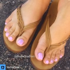 I love women's feet! Pretty Toe Nails, Cute Toe Nails, Cute Toes, Pretty Toes, Orange Toe Nails, Foot Pedicure, Pink Toes, Beautiful Toes, Sexy Toes