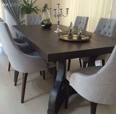Gözde hanımın sofistike ve dingin evi.. Dining Table, Inspiration, Furniture, Home Decor, Diner Decor, Living Room, Biblical Inspiration, Decoration Home, Room Decor