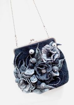 bag felted grey flowers – shop online on Livemaster with shipping Selling Handmade Items, Handmade Bags, Diy Bags Purses, Purses And Handbags, Vintage Purses, Vintage Handbags, Denim Earrings, Denim Purse, Frame Purse
