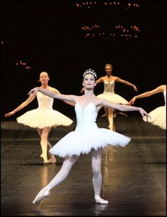 Aurelie Dupont (Photo by Bertrand Rindoff Petroff/Getty Images) Ballet Art, Ballet Dancers, Germain Louvet, La Bayadere, Paris Opera Ballet, Dance Movement, Royal Ballet, Ballet Beautiful, High Art
