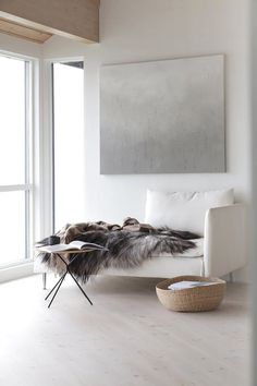 It seems that no matter the style, from classic and cozy to clean and contemporary, white just works.