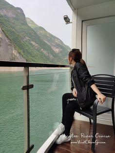 ChengDu WestChinaGo Travel Service www.WestChinaGo.com Tel:+86-135-4089-3980 info@WestChinaGo.com Chengdu, China Travel, Tours, River, Cruises, Luxury, Cruise, Rivers