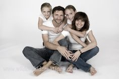 Google Image Result for http://nessarox.com/wp-content/uploads/2010/12/cuddle-family.jpg