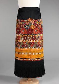 Apron Date: ca. 1920 Culture: Hungarian (Matyó) Medium: silk, cotton Dimensions: Length at CB: 39 in. cm) Credit Line: Brooklyn Museum Costume Collection at The Metropolitan Museum of Art, Gift of the Brooklyn Museum, Gift of Eleanor Pepper, 1986 Hungarian Embroidery, Folk Embroidery, Embroidery Patterns, Stitch Patterns, Mode Russe, Stitch Head, Folklore, Chain Stitch Embroidery, Ethnic Dress