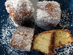 Lamingtons - World Food Tour How To Make Icing, Vanilla Sponge Cake, Shake It Off, Piece Of Cakes, Different Recipes, Tray Bakes, Grand Prix, Cocoa, Dishes