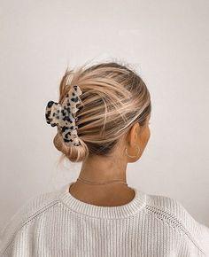 Clip Hairstyles, Messy Hairstyles, Pretty Hairstyles, Cut Her Hair, Good Hair Day, Dream Hair, About Hair, Blonde Highlights, Hair Dos