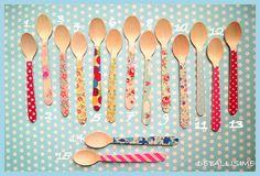15 modelos de cucharitas de madera decoradas (11 cms) pedidos y catálogo: detallisime@yahoo.es