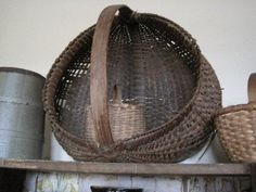 Looks like the basket my Grandmother used to gather eggs.