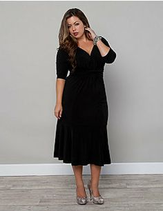 This darling dress with its demure details is a perfect staple for your wardrobe. Our Taryn Twist Dress has an angled waistband that continues into a double twist in the front for added detail, while the gathering at the bodice creates a gorgeous sweetheart neckline. The skirt is fully lined with a comfortable knit lining and with fluid draping at the bottom hem, the skirt has a slight fit and flare shape.