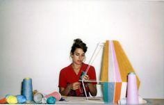 Gimmii Magazine I Ana Kras met haar handgemaakte BonBon Lampen. Lees hier http://www.gimmii.nl/slaapkamer/bonbon-lamps-ana-kras/ #design #handmade