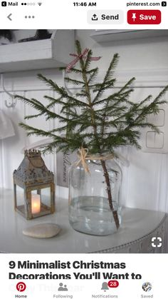 You HAVE TO check out these modern minimalist Christmas decorations! I'm so glad I found these understated Christmas decoration ideas, definitely going to use these to add Christmas d Minimalist Christmas Tree, Scandinavian Christmas Trees, Bohemian Christmas, Noel Christmas, Christmas Crafts, Minimal Christmas, Modern Christmas Trees, Christmas Tree Simple, Christmas Tree Vase