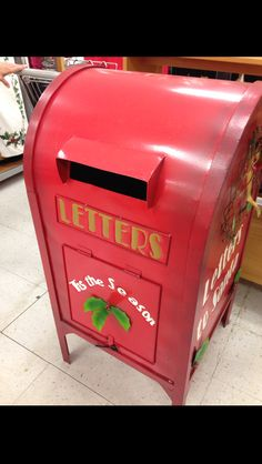 Letters to Santa mailbox! This would be so cute in a school or day care!