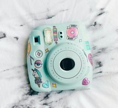 Instax mini discovered by Liz on We Heart It Instax Mini Ideas, Instax Mini 8, Fujifilm Instax Mini, Polaroid Camera Instax, Polaroid Cases, Cute Camera, Camera Art, Camara Fujifilm, Cute Headphones