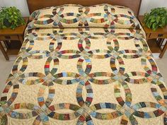 wedding ring quilt | Double Wedding Ring Quilt -- splendid skillfully made Amish Quilts ...