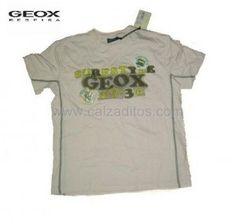 Camiseta GEOX PEARL de manga corta. Prenda de ropa infantil para niño de color beige con bordados. ENVIO GRATIS.