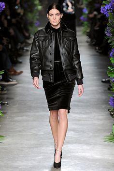 Givenchy Fall 2011 Ready-to-Wear Fashion Show - Hilary Rhoda (WOMEN)