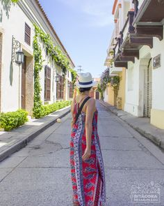 What to do in Cartagena 👉 Castillo de San Felipe, Getsemaní & Squares (Old Town Tour) Cover Up, Spaces, City, Beach, Dresses, Fashion, Cartagena Colombia, Castles, Country