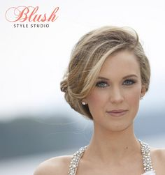 Bridal hairstyle that is natural, elegant, and effortless. Blonde highlights, balyage, bride updo, natural bridal makeup, Http://www.blushstylestudio.com