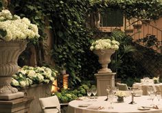 Table and garden at Villa Hassler Hotel Roma