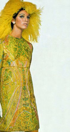 Vogue photo by David Bailey 1967 Fashion, 60s And 70s Fashion, Seventies Fashion, Weird Fashion, Vintage Fashion, Twiggy, Miss Sixty, English Fashion, Fashion Catalogue