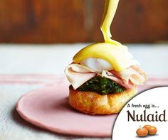 Eggs Benedict is the ultimate brunch - with hot fluffy muffins and homemade hollandaise, you're onto a winner. For the full recipe on this Super Eggs Benedict, click on the link - http://ablog.link/68V. #Nulaid #recipe